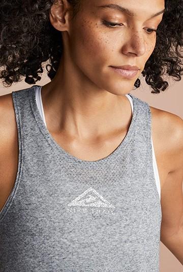 Camiseta Nike City Sleek gris