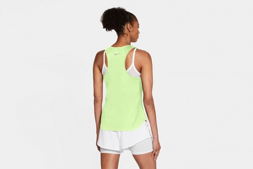 Camiseta Nike Swoosh Run Women's Running Tan verde