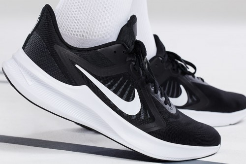 Zapatillas Nike Downshifter 10 Men's Running S Negras