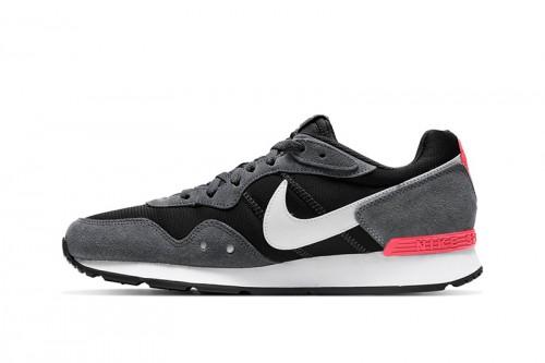 Zapatillas Nike Venture Runner Grises