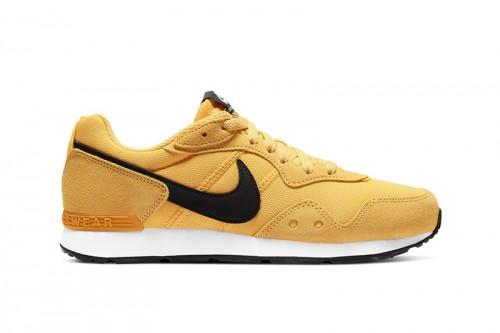 Zapatillas Nike Venture Runner Women's Shoe Amarillas