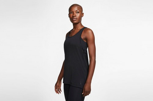Camiseta Nike Yoga Negra