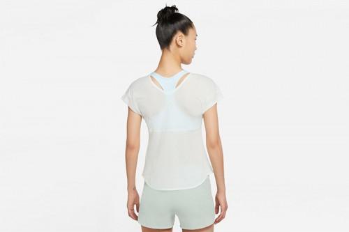 Camiseta Nike Breathe Cool blanca