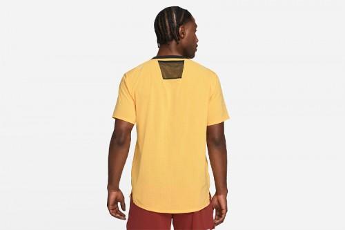 Camiseta Nike Dri-FIT Rise 365 Amarilla