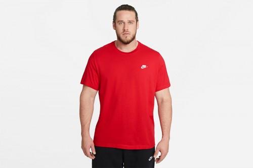 Camiseta Nike Sportswear Club Roja