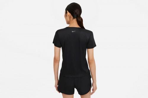 Camiseta Nike Swoosh Run Negra