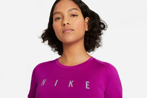 Camiseta Nike Miler Run Division Morada