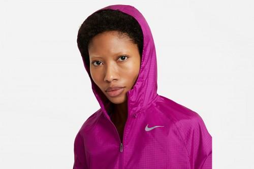 Chaqueta Nike Essential Run Division Morada