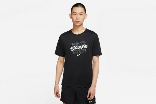 Camiseta Nike Dri-FIT Miler Wild Run negra