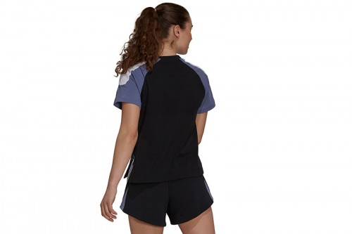 camiseta adidas SPORTSWEAR COLORBLOCK negra