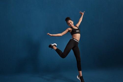 Sujetador deportivo Nike Dri-FIT Swoosh Negro